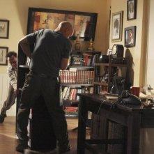 Michael Emerson e Terry O'Quinn in una scena dell'episodio 'The Shape of Things to Come' di Lost