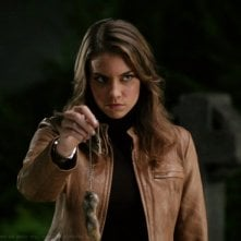 Lauren Cohan interpreta il ruolo di Bela Talbot, una ladra di artefatti sovrannaturali, nell'episodio 'Bad Day at Black Rock' della serie Supernatural
