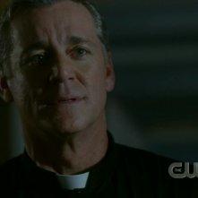 Robert Curtis Brown nel ruolo di Padre Gil nell'episodio 'Sin City' della serie Supernatural
