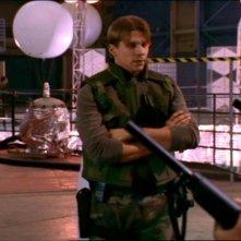 Marc Blucas in una sequenza dell'episodio 'Le pattuglie della notte' della quarta stagione di Buffy - L'ammazzavampiri
