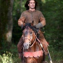 Marco Bonini a cavallo in una scena del film L'anno mille