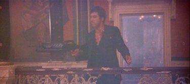 Una foto di Scarface (1983) nel quale Al Pacino interpreta Tony Montana