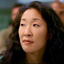 Sandra Oh interpreta Cristina Yang, nella serie tv Grey's Anatomy, episodio 'Quando il gioco si fa duro'