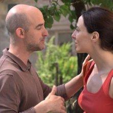 Angelo Orlando e Valentina Carnelutti in una scena del film Sfiorarsi