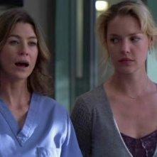 Ellen Pompeo e Katherine Heigl nell'episodio 'Losing my Religion' della serie tv Grey's Anatomy