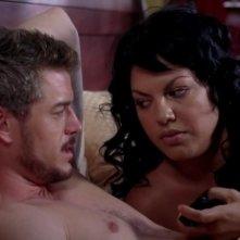 Sara Ramirez e Eric Dane nell'episodio 'Sensi di colpa' della serie tv Grey's Anatomy