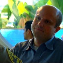 Enrico Colantoni in una scena dell'episodio 'Questione di fiducia' della prima stagione di 'Veronica Mars'