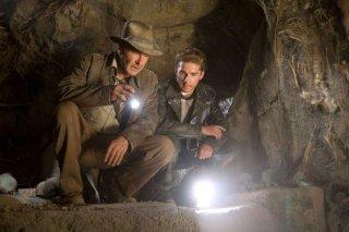 Harrison Ford e Shia Labeouf in una scena del film Indiana Jones e il regno del Teschio di cristallo (2008)