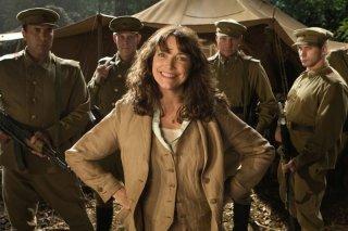 Karen Allen in una scena del film Indiana Jones e il regno del Teschio di cristallo
