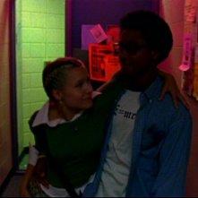 Kristen Bell e Percy Daggs III in una sequenza dell'episodio 'Un nuovo ragazzo ' della prima stagione di 'Veronica Mars'