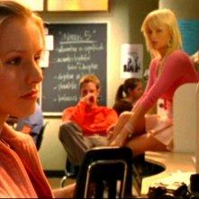 Kristen Bell, Jason Dohring e Paris Hilton in una scena dell'episodio 'Questione di fiducia' della prima stagione di 'Veronica Mars'