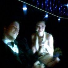 Teddy Dunn e Amanda Seyfried in una scena dell'episodio 'Un nuovo ragazzo ' della prima stagione di 'Veronica Mars'