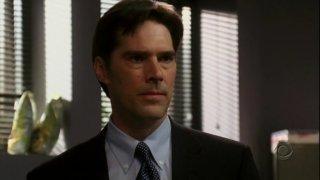 Thomas Gibson nel ruolo dell'agente speciale Hotchner nell'episodio 'Poison' della serie Criminal Minds
