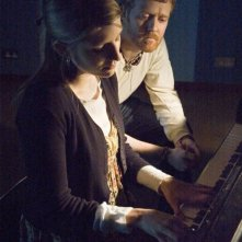 Markéta Irglová e Glen Hansard in una sequenza di Once, un film di John Carney del 2006