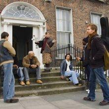 Markéta Irglová e Glen Hansard in una scena del film Once un film diretto da John Carney del 2006