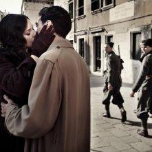 Monica Bellucci e Alessio Boni in una scena del film Sangue pazzo