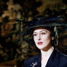 Una seducente Monica Bellucci in una scena del film Sangue pazzo