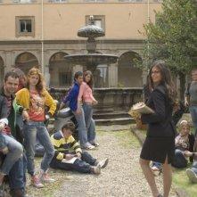 Giulia Elettra Gorietti, Andrea De Rosa, Nathalie Rapti Gomez, Marco Iannone, Clizia Fornasier e Sara Tommasi in una scena del film Ultimi della classe
