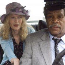 Mia Farrow e Danny Glover in una scena del film Be Kind Rewind
