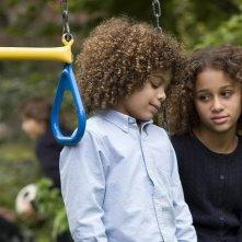 Micah Berry e Alexis Llewellyn in una scena del film Noi due sconosciuti