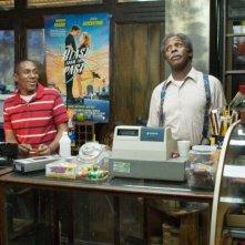 Mos Def e Danny Glover in una scena del film Be Kind Rewind