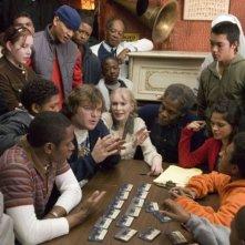 Mos Def, Jack Black, Mia Farrow, Danny Glover e Melonie Diaz in una scena del film Be Kind Rewind