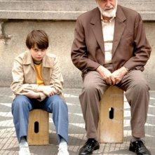 Michel Joelsas e Germano Haiut in una scena del film L'anno in cui i miei genitori andarono in vacanza