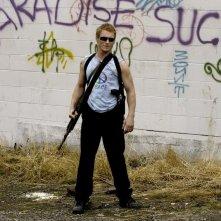 Zach Ward in una foto sul set di Postal