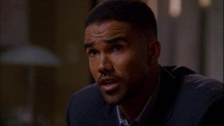 L'agente speciale Derek Morgan, interpretato da Shemar Moore, in un momento dell'episodio 'Blood Hungry', della serie Criminal Minds
