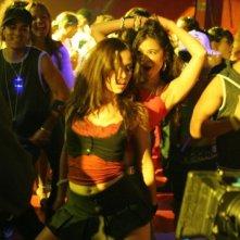 Zulay Henao e Melonie Diaz in una scena del film Feel the Noise - A tutto volume
