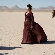 Anjelica Huston in una scena del film Caccia spietata