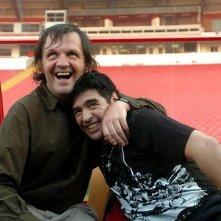 Kusturica abbraccia El Pibe de Oro nel documentario Maradona by Kusturica