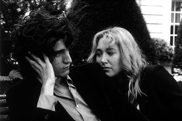 Laura Smet E Louis Garrel In Una Scena Del Film La Frontiera Dell Alba 60157