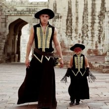 Lee Pace e Catinca Untaru in una scena di The Fall di Tarsem Singh
