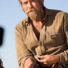 Pierce Brosnan come appare nel film film Caccia spietata