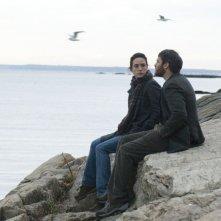 Jennifer Connelly con Joaquin Phoenix in una sequenza del film Reservation Road