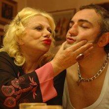 Sandra Milo e Raffaele Vannoli sul set del film Chi nasce tondo...