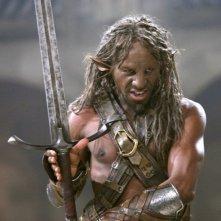 Cornell John in una scena del film Le cronache di Narnia: il Principe Caspian