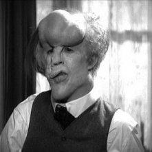 John Hurt in una scena di The Elephant Man