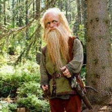 Peter Dinklage in una scena del film Le cronache di Narnia: il Principe Caspian