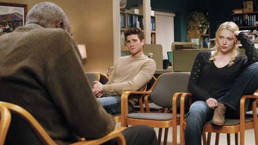 Bill Cobbs Di Spalle Laura Prepon E Bryan Greenberg In Forever Until Now 60673