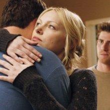 Brad William Henke, Laura Prepon e Bryan Greenberg nell'episodio 'Forever Until Now' di October Road