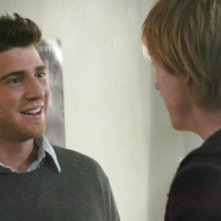 Bryan Greenberg e Jay Paulson nel pilot di October Road