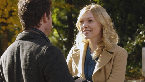 Bryan Greenberg E Laura Prepon Nell Episodio The Pros And Cons Of Upsetting The Applecart Di October Road 60641