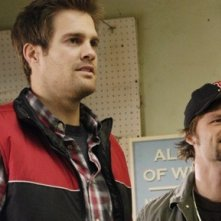 Geoff Stults ed Evan Jones nell'episodio 'Best Friend Windows' di October Road