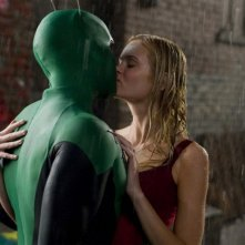 Il bacio tra Drake Bell e Sara Paxton in una scena del film Superhero Movie