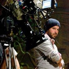 Il regista Carter Smith sul set del film Rovine