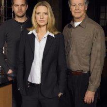 John Noble, Joshua Jackson ed Anna Torv in un'immagine promozionale di Fringe