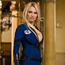 Pamela Anderson in una scena del film Superhero Movie