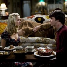 Sara Paxton e Drake Bell in una scena del film Superhero Movie
